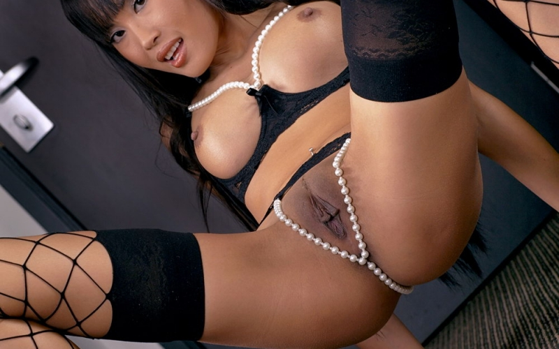 Asian Pornstar Davon Kim teases us in this RedTube Blog gallery!