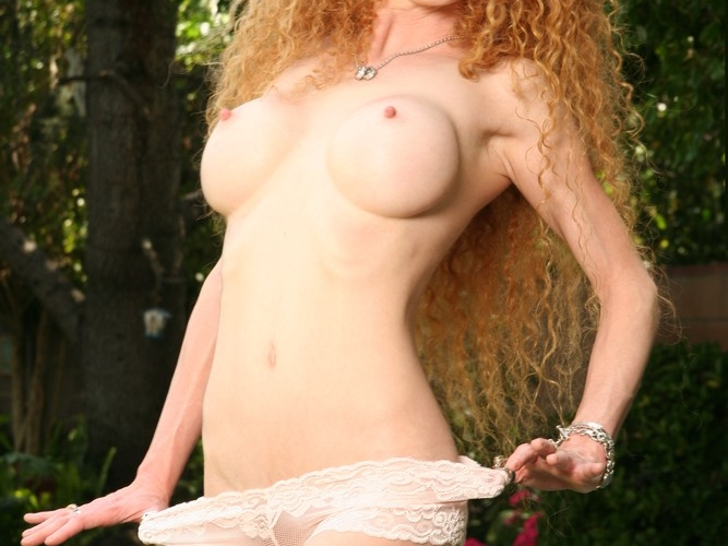 Redhead Pornstar Annie Body has a bush like nobody!