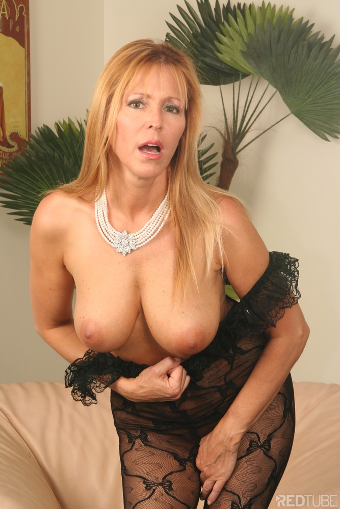 Pictures Of Flower Tucci